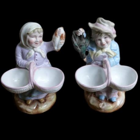 Couple marchands de volailles peint main porcelaine début XXème