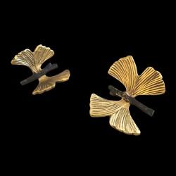 Petit papillon doré décoratif