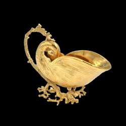 Nautilus with coral gilt with fine gold pewter