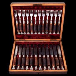 Fourchettes couteaux Victoriens bois cerf et métal argenté Joseph Rogers ens. 12