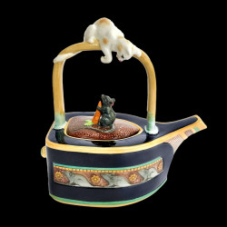 "Minton Majolica Teapot ""Cat & Mouse"""