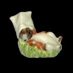 "Beatrix Potter Souris chapeautée ""Benjamin wakes up"""
