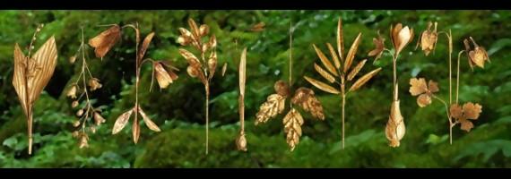 Décorations végétales dorées